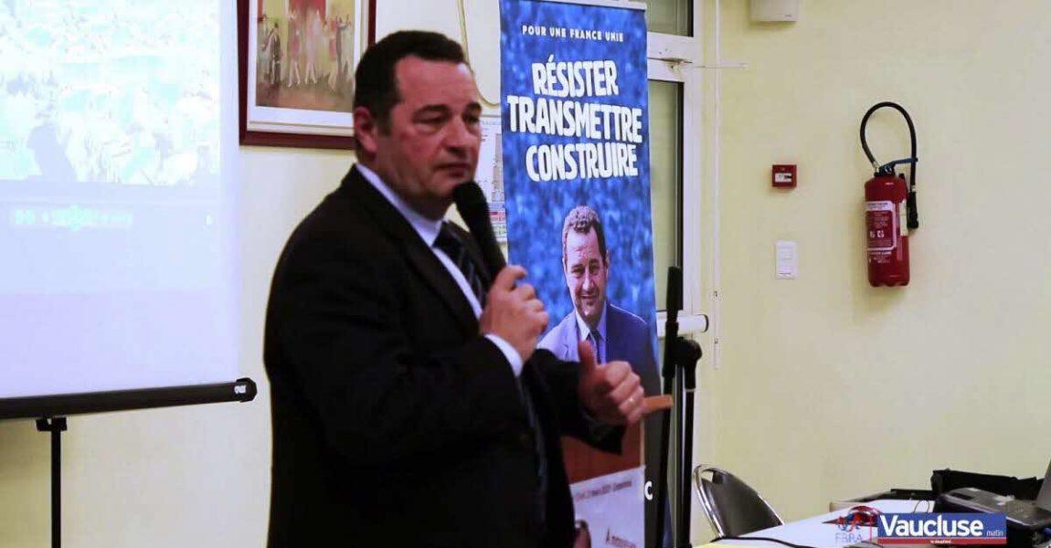 A Carpentras, Jean-Frédéric Poisson prône l'union des droites et appelle à soutenir le candidat Bertrand de La Chesnais pour les élections municipales