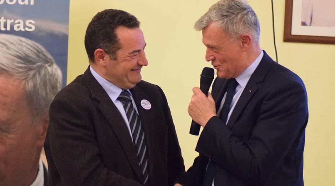 Prise de parole de Jean-Frédéric Poisson à Carpentras, prônant «l'union des droites» pour les élections municipales 2020